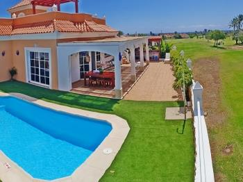 Fantastic villa with views and private pool